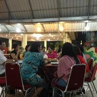 Photo taken at Fresh Resto by Satyawan A. on 7/23/2013