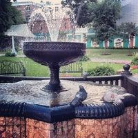 Снимок сделан в Сад «Эрмитаж» пользователем Alex B. 6/19/2013