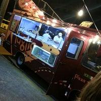 Photo taken at Pizza Taglia | Pizza Truck by Gabriel S. on 10/22/2014