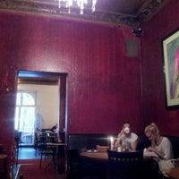 Das Foto wurde bei Schwarzes Café von Martin G. am 9/28/2012 aufgenommen