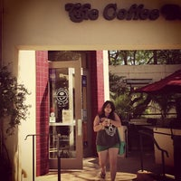 Photo taken at The Coffee Bean & Tea Leaf by Jeremie A. on 5/29/2013