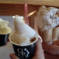 Photo taken at FRESH GELATO GAGA 北栄店 by はせりょ on 10/18/2014