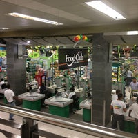 Photo taken at Supermercados Nacional by Yuri M. on 5/31/2013