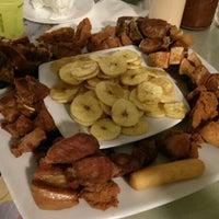 12/24/2013에 Estefania S.님이 Yeyo's Sea Food에서 찍은 사진