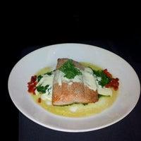 5/5/2012 tarihinde Ryan M.ziyaretçi tarafından Sullivan's Steakhouse'de çekilen fotoğraf