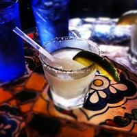 3/11/2012 tarihinde Scott J.ziyaretçi tarafından Guero's Taco Bar'de çekilen fotoğraf