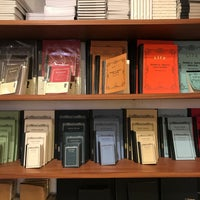 Foto scattata a McNally Jackson Store: Goods for the Study da Steven W. il 4/21/2018