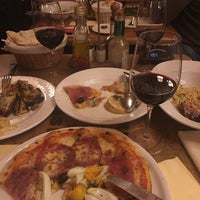 Photo taken at Rossini Ristorante Pizzeria by Levent Tamer on 11/11/2017