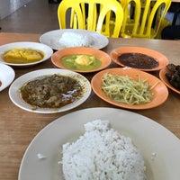 Photo taken at Restoran Mega Ceria by Adlyna T. on 7/31/2017