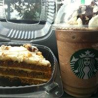 Photo taken at Starbucks by Vivi H. on 10/14/2012