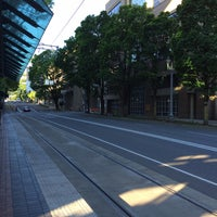 Photo taken at TriMet PSU/SW 6th & Montgomery MAX Station by Stephen W. on 5/1/2016