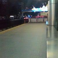 Photo taken at BRT วัดปริวาส (Wat Pariwat) by gapgap on 12/21/2014