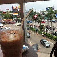 Photo taken at Gloria Jean's Coffee by Rya N. on 12/31/2012