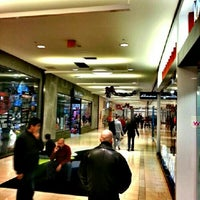 Westfield Trumbull Mall Food Court