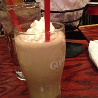 Photo taken at Red Robin Gourmet Burgers by Henry on 2/17/2013