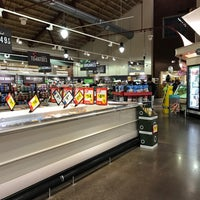 Photo taken at Giant Food and Pharmacy by Justin K. on 1/2/2017