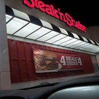 Photo taken at Steak 'n Shake by Shannon C. on 4/20/2013