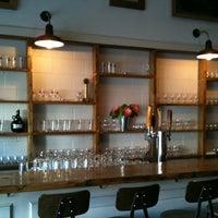 2/6/2013 tarihinde Tiina J.ziyaretçi tarafından Bellwoods Brewery'de çekilen fotoğraf