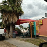 Photo taken at El Pollo Feliz by Carlos H. on 10/13/2013