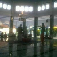 Photo taken at Masjid Al Hidayah Arong2 Timur by SUPRIYANTHO K. on 11/26/2012