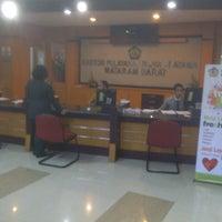 Das Foto wurde bei Kantor Pelayanan Pajak Pratama Mataram Barat von SUPRIYANTHO K. am 8/7/2014 aufgenommen