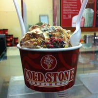 Photo taken at Cold Stone Creamery by Kimberly H. on 11/10/2012