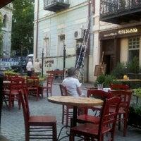 9/28/2012 tarihinde ანი გ.ziyaretçi tarafından Cafe Kala | კაფე კალა'de çekilen fotoğraf