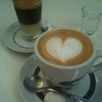 Foto tirada no(a) Press Café por Augusto L. em 4/13/2013