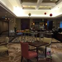 Photo taken at Sheraton Chengdu Lido Hotel   天府丽都喜来登饭店 by zzap on 12/26/2016