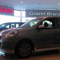 Photo taken at Nissan Grand Brasil by Vassiliqui Litsa A. on 5/15/2013