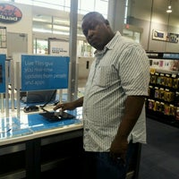 Photo taken at Best Buy by Deonka R. on 11/3/2012