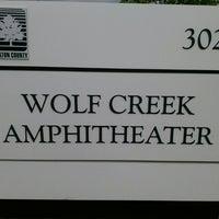 4/27/2013 tarihinde EMANATED FROM DETROIT D.ziyaretçi tarafından Wolf Creek Amphitheater'de çekilen fotoğraf