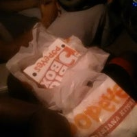 Photo taken at Popeyes Louisiana Kitchen by EMANATED FROM DETROIT D. on 9/8/2014