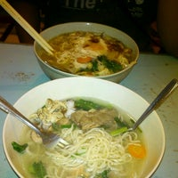 Photo taken at Sapporo Ramen by Fit'rie T. on 4/29/2014