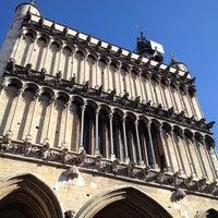 10/2/2012にClaire Sam .がÉglise Notre-Dameで撮った写真