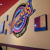 Photo taken at Fuddruckers by Hisham A. on 9/22/2012