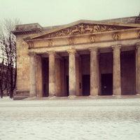 1/14/2013 tarihinde Eric L.ziyaretçi tarafından Neue Wache'de çekilen fotoğraf