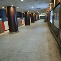 Photo taken at Marunouchi Line Otemachi Station (M18) by espa on 3/18/2018