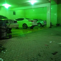 Photo taken at AlDalel Car Wash & Service by Imad K. on 9/19/2014