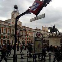 Foto tomada en Puerta del Sol por Javier A. el 4/26/2013