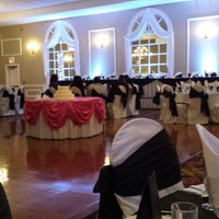 Photo taken at Di Nolfos Banquets by Erin W. on 10/12/2013