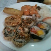 Photo taken at Kenddo Natural Sushi by Marco Aurelio A. on 11/9/2012
