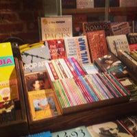 Foto tirada no(a) Bridge Street Books por Patrick B. em 8/25/2013