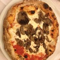 Photo taken at Pizzeria Corte Sconta by Seda Ö. on 12/6/2013