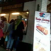 Photo taken at Resto Rumah Kayu Cabang Tahu Susu Lembang by diidotz c. on 3/23/2014