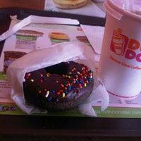 Photo taken at Dunkin' Donuts by Kathia b. on 1/26/2013