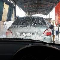 Photo taken at Analusia Car Wash by Daeng M. on 10/3/2013