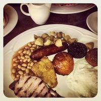 Photo taken at Monto Cafe by Edwina Elizabeth on 3/17/2013