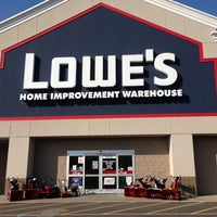 Photo taken at Lowe's Home Improvement by Alex T. on 11/12/2012
