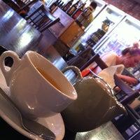 4/28/2013 tarihinde Stan M.ziyaretçi tarafından Ultimo Coffee @ Brew'de çekilen fotoğraf